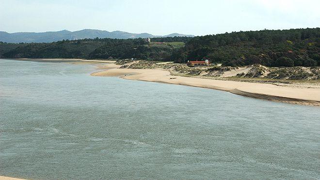 Praia das Furnas&#10Local: Vila Nova de Milfontes - Odemira&#10Foto: ABAE