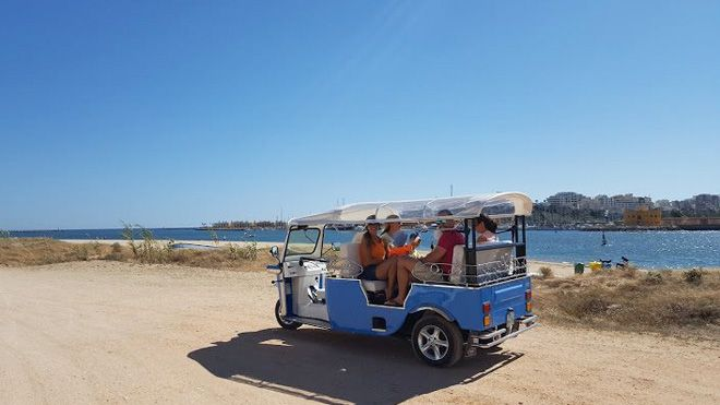 Algarve Tuk Group&#10Lieu: Carvoeiro&#10Photo: Algarve Tuk Group