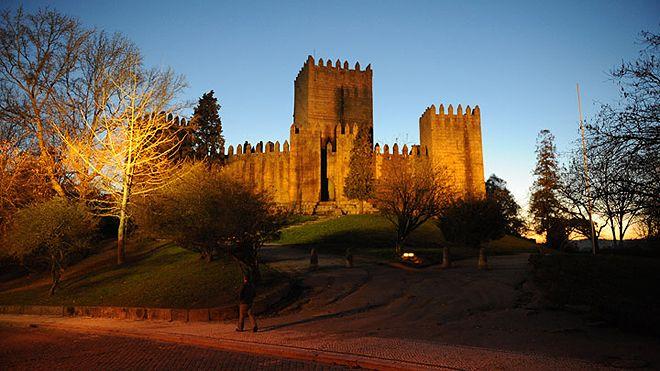 Castelo de Guimarães Place: Guimarães Photo: Direcção Regional de Cultura do Norte