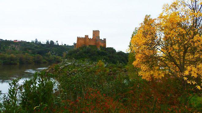 Castelo-de-Almourol Lieu: Tomar Photo: Taxitemplarios