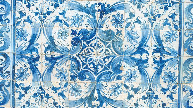 Tile panel&#10Place: Palácio Pereira Forjaz&#10Photo: António Sacchetti