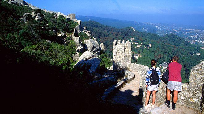 Castelo dos Mouros&#10Local: Sintra&#10Foto: José Manuel