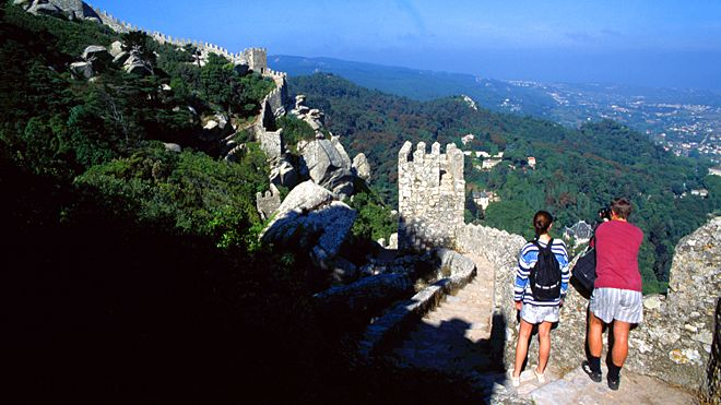 Castelo dos Mouros&#10Lieu: Sintra&#10Photo: José Manuel