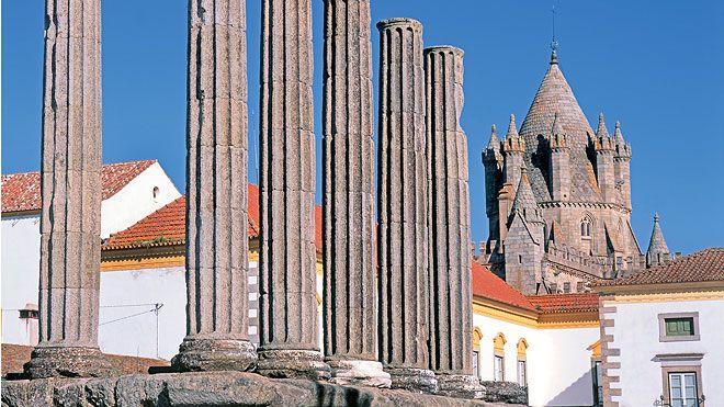 Templo Romano de Évora Local: Templo Romano de Évora Foto: João Paulo