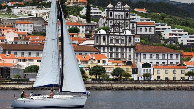 Marina da Horta Local: Ilha do Faial nos Açores Foto: Publiçor