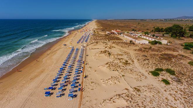 Praia do Barril&#10Ort: Tavira&#10Foto: Shutterstock_AG_Sergio Stakhnyk