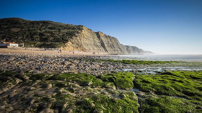 Praia do Magoito&#10Ort: Sintra&#10Foto: Shutterstock_LX_nvphoto