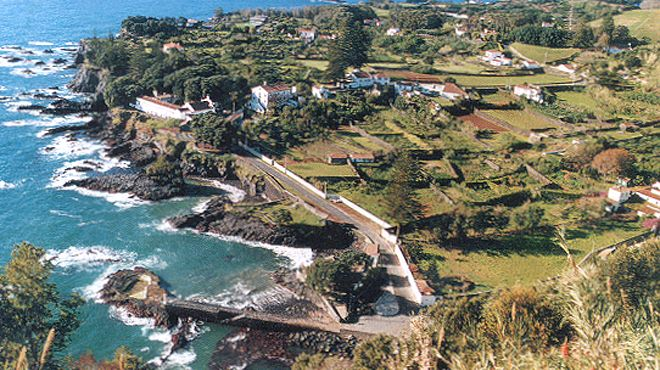Zona Balnear do Porto da Caloura&#10Luogo: Lagoa - São Miguel&#10Photo: ABAE