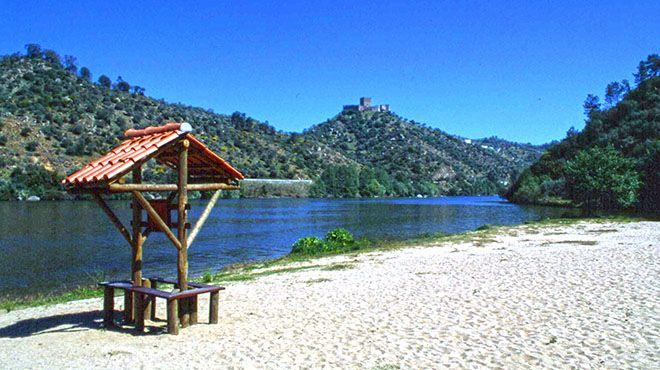 Praia fluvial da Quinta do Alamal&#10Local: Gavião&#10Foto: Arquivo Turismo de Portugal
