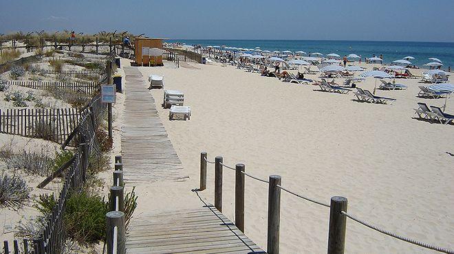 Praia do Barril&#10場所: Tavira&#10写真: ABAE