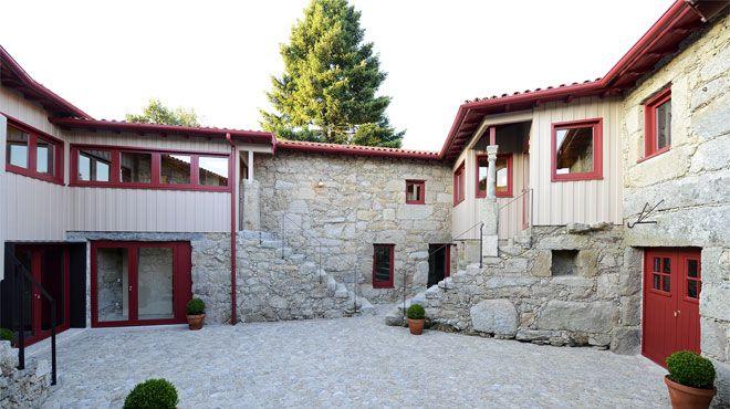 Casa de Docim&#10Place: Quinchães&#10Photo: Casa de Docim