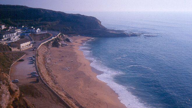 Praia de Porto Dinheiro&#10Local: Lourinhã&#10Foto: ABAE
