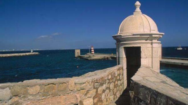 Forte da Ponta da Bandeira&#10Место: Lagos&#10Фотография: Arquivo Turismo de Portugal