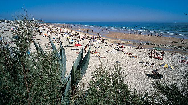 Praia de Carcavelos&#10Local: Cascais&#10Foto: JTCE