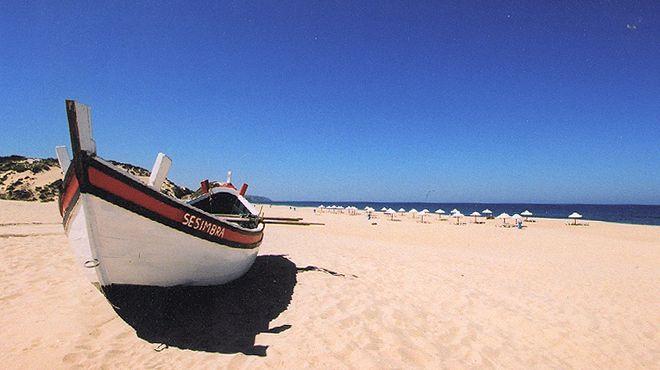 Praia do Moinho de Baixo Place: Sesimbra Photo: ABAE