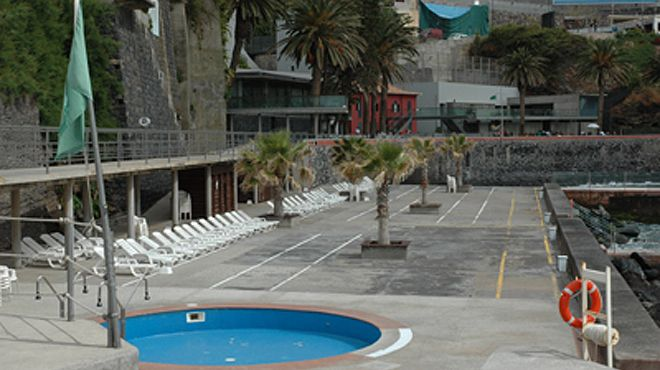 Zona Balnear do Clube Naval do Funchal&#10Place: Funchal&#10Photo: ABAE