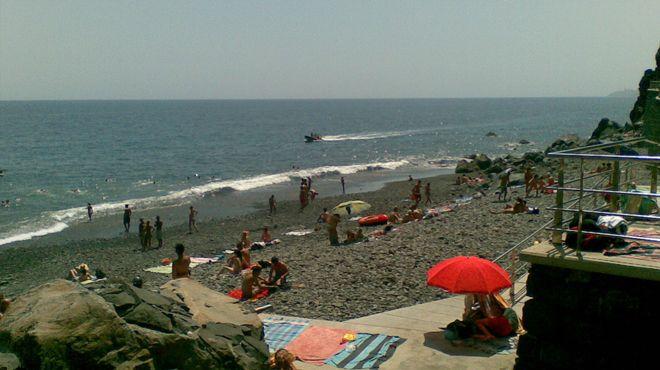 Praia do Garajau Local: Santa Cruz - Madeira Foto: ABAE