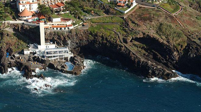 Zona Balnear de Galo Mar&#10場所: Santa Cruz - Madeira&#10写真: ABAE