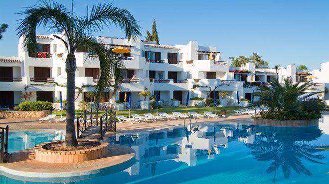 Apartamentos Turísticos Balaia Parque
