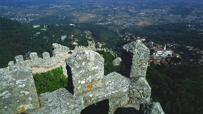 Castelo dos Mouros - Sintra&#10Local: Sintra
