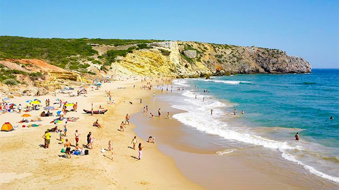 Praia do Zavial Photo: Helio Ramos - Turismo do Algarve