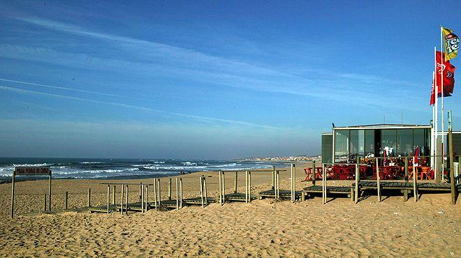 Praia das Pedras do Corgo&#10場所: Matosinhos&#10写真: ABAE