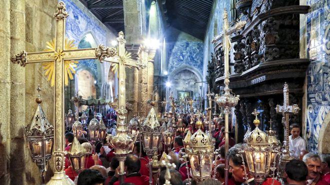 Festa das Cruzes&#10Lugar Barcelos