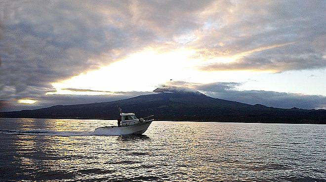 Velasfishingtur&#10Local: São Jorge - Açores&#10Foto: Velasfishingtur