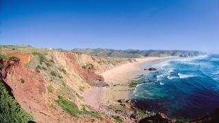 Praia do Amado Local: Barlavento Foto: Turismo de Portugal