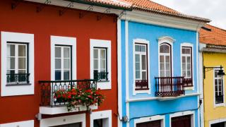 Casas típicas Lugar Ilha Terceira nos Açores Foto: Turismo dos Açores
