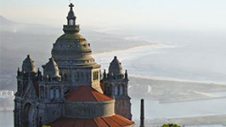 Santuário do Sagrado Coração de Jesus de Santa Luzia&#10Foto: Porto Convention & Visitors Bureau