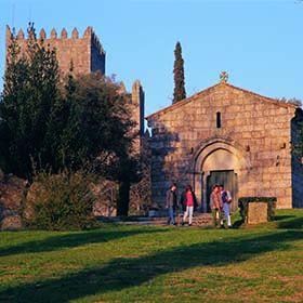 Igreja de São MiguelOrt: GuimarãesFoto: CM Guimarães
