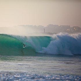 SurfingМесто: PenicheФотография: worldspoon.pt
