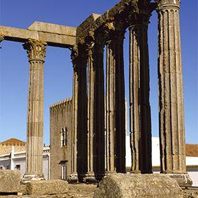 Templo romano de ÉvoraFoto: M'Ar de AR Hotels