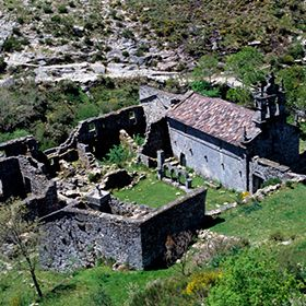 MontalegreLocal: Mosteiro PitõesFoto: C.M Montalegre