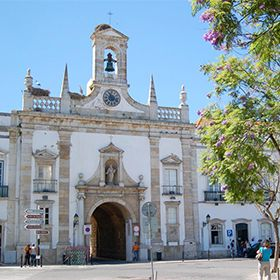 Arco da Vila em FaroPlace: FaroPhoto: Turismo do Algarve