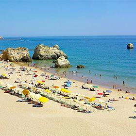 Praia dos Três CastelosLocal: PortimãoFoto: Turismo do Algarve