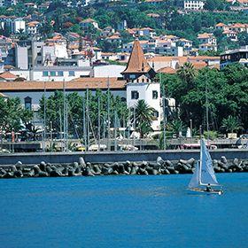 Vista sobre a baía do funchalLocal: Funchal