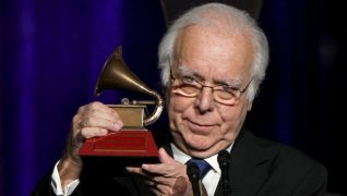 Carlos do Carmo brings a Grammy home to Portugal