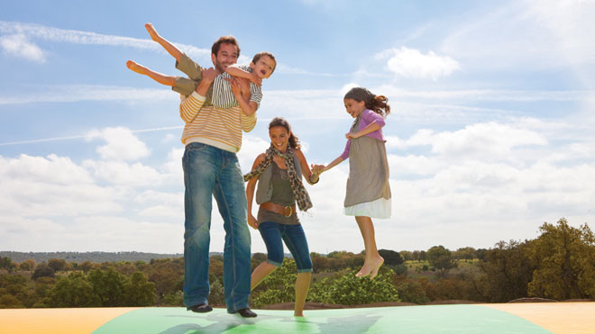 Family in Monte Selvagem Park ©Turismo do Alentejo