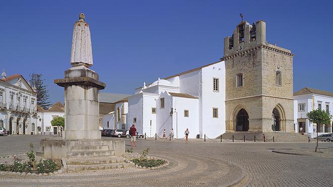 Faro - Largo da Sé