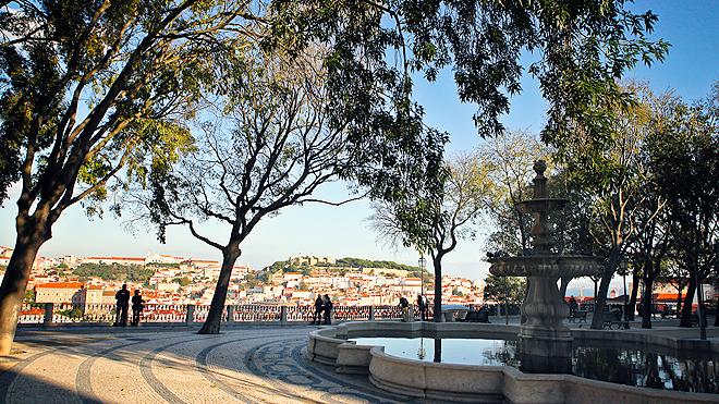 Lisboa - Miradouro de São Pedro de Alcântar
