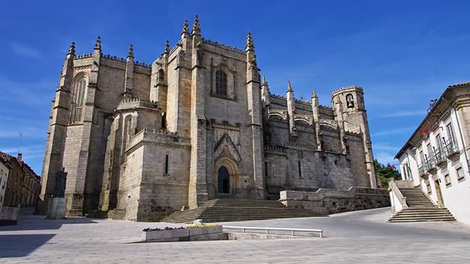 Catedral - Guarda_Shutterstock-LianeM