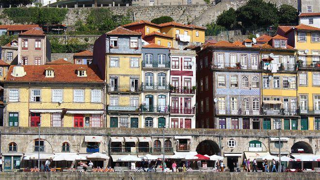 Comptoir des Voyage_Porto by Paz Ruiz Buesco&#10Local: Porto_Ribeira&#10Foto: Comptoir des Voyage_by Paz Ruiz Buesco