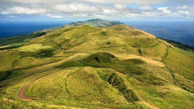 Ilha de São Jorge&#10Local: São Jorge&#10Foto: Publiçor