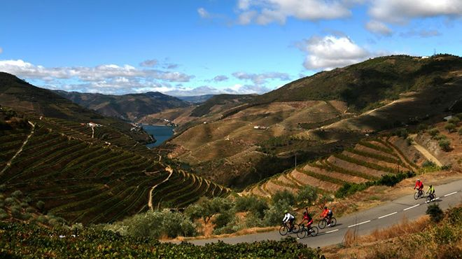 Portugal A2Z_Biking in the historic Douro Region of Portugal&#10Plaats: Vale do Douro&#10Foto: Portugal A2Z