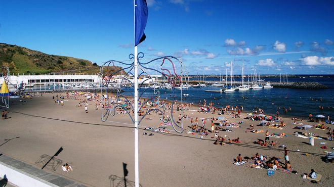 Praia Grande - Praia da Vitória&#10Lugar Praia da Vitória - Terceira&#10Foto: ABAE