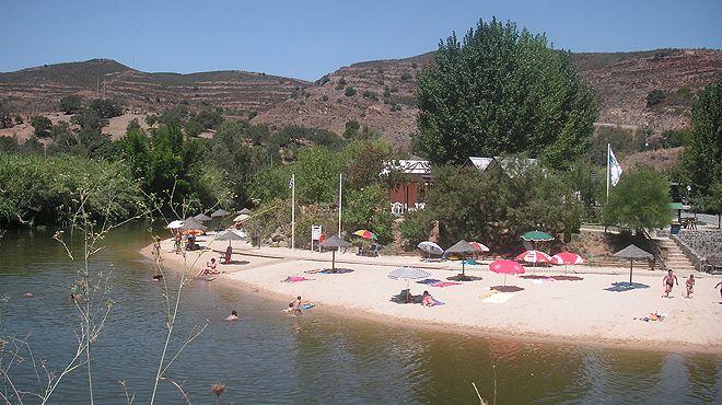 Praia fluvial do Pego Fundo&#10Lugar Alcoutim&#10Foto: ABAE