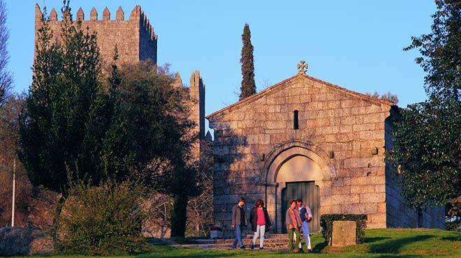 Igreja de São Miguel&#10Lieu: Guimarães
