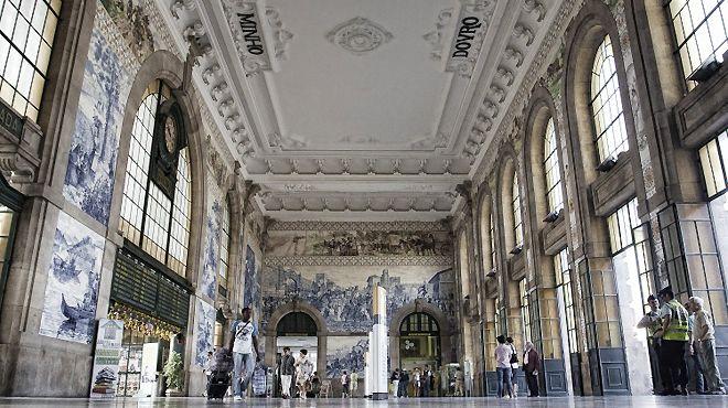 Station of São Bento&#10Place: Porto&#10Photo: ALEM MAR TURISMO